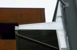 Cantilever roof